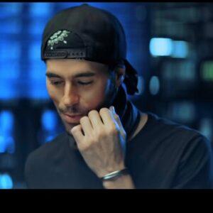 دانلود موزیک ویدیو Enrique Iglesias & Anuel AA به نام Fútbol Y Rumba