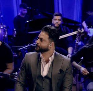 دانلود موزیک ویدیو اجرای زنده بابک جهانبخش به نام روزهای ابری ( کنسرت احساس )